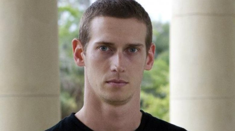 Stuntman death brings 'Walking Dead' to a halt