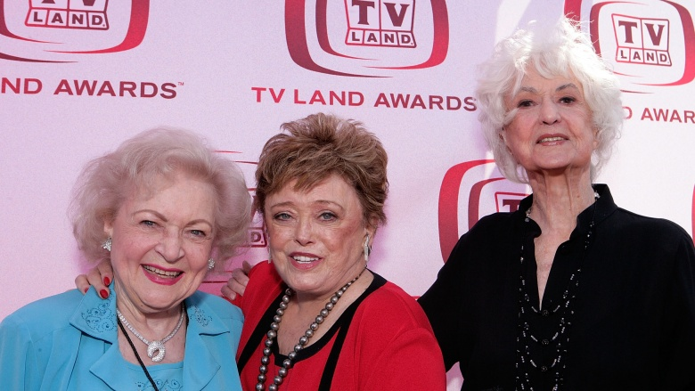 http://img1.looper.com/img/gallery/old-tv-shows-that-should-never-be-rebooted/golden-girls.jpg