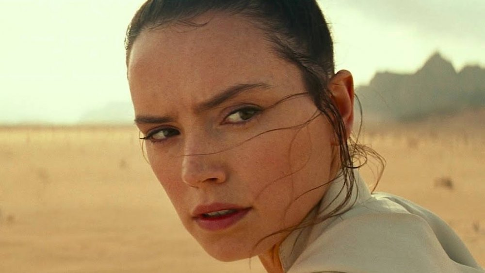 Star Wars: lesbian kiss cut from The Rise of Skywalker in Singapore