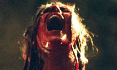 Descent-bloody-Sarah-screaming-e1432685836281