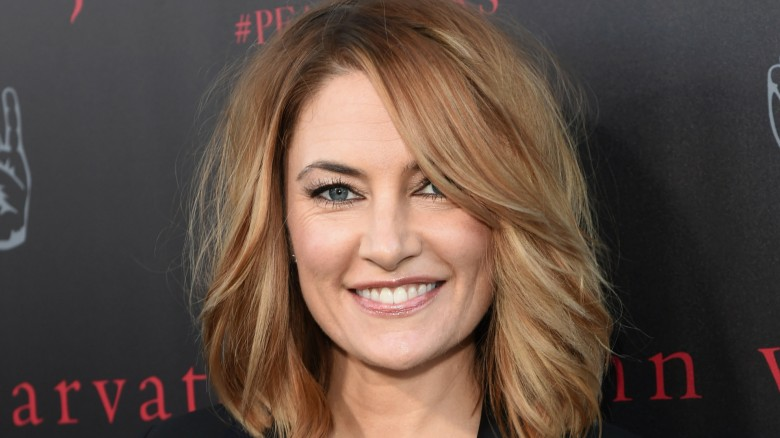 Madchen amick on riverdale twin peaks comparisons for Kinderzimmerlampe madchen