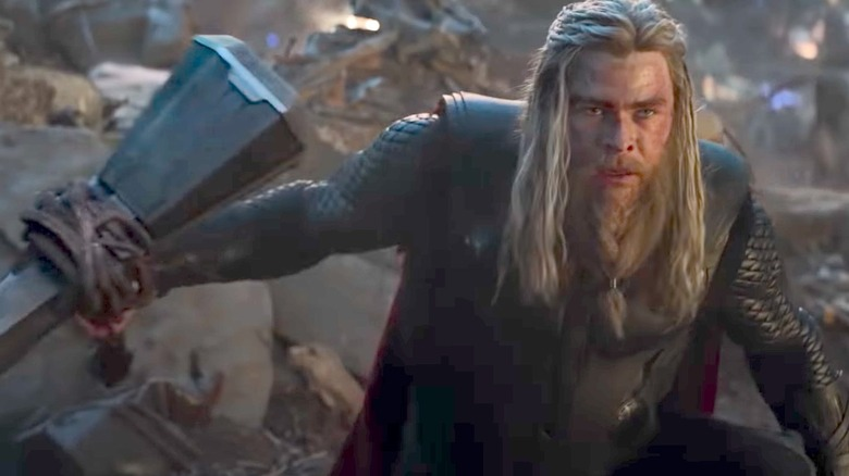 Thor fights Thanos in Endgame