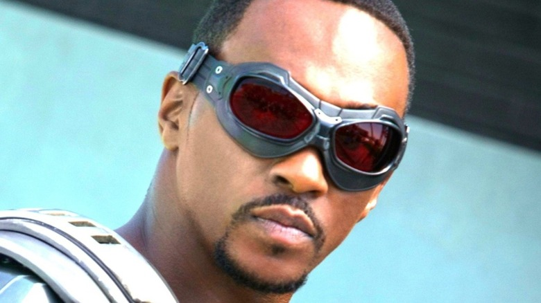 Anthony Mackie Falcon goggles