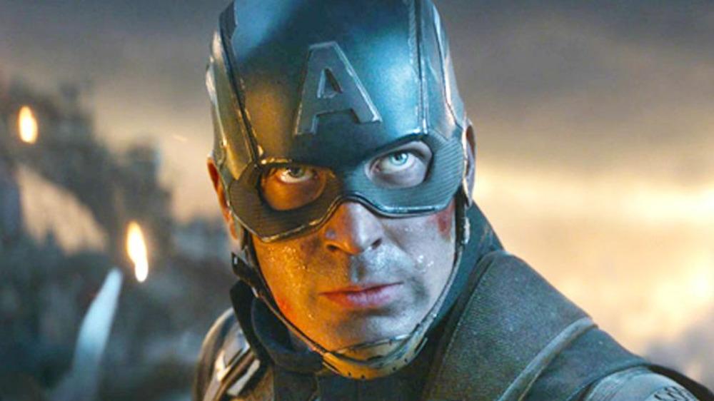 Chris Evans Captain America Mjolnir