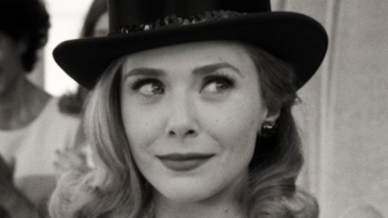 Wanda Maximoff side eye smile WandaVision episode 3