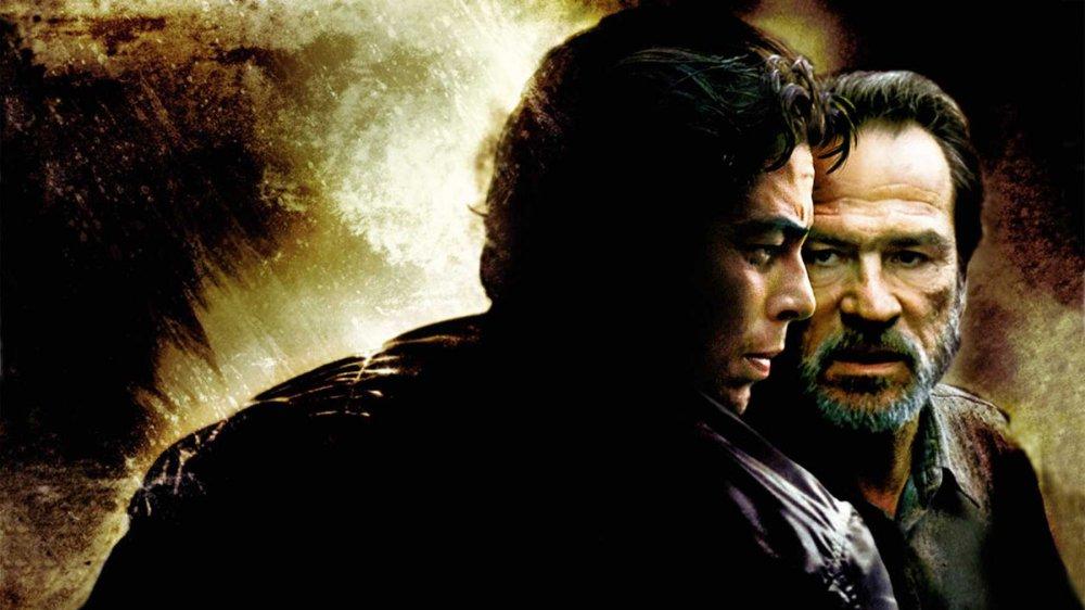 Benicio del Toro and Tommy Lee Jones in The Hunted
