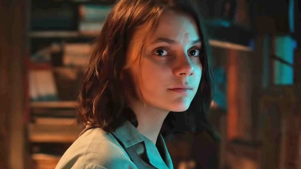 Dafne Keen as Lyra looks to the future