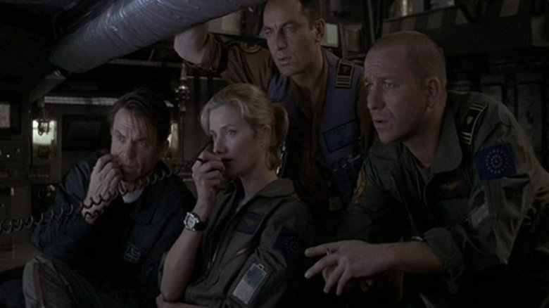 Sam Neill, Joely Richardson, Jason Isaacs, and Sean Pertwee in Event Horizon (1997)