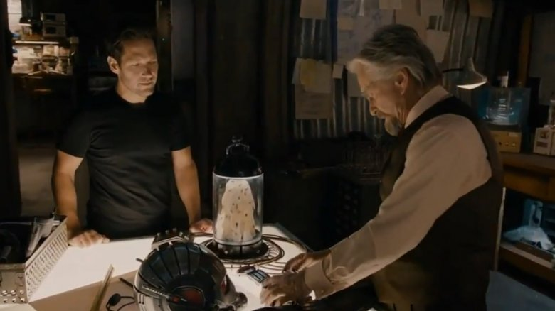Hank Pym discussing the Quantum Realm with Scott
