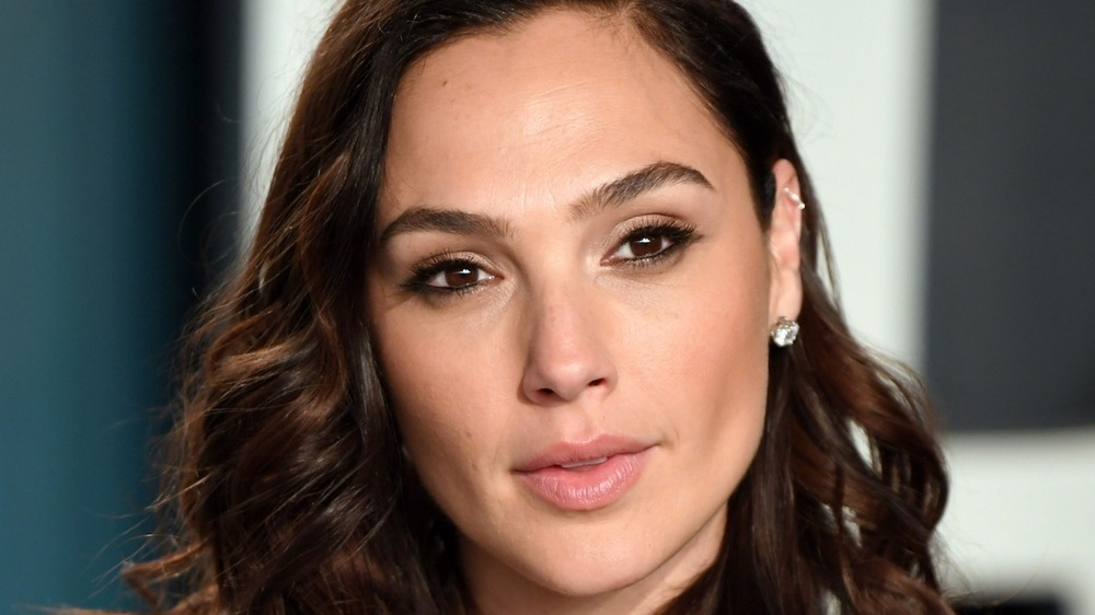 gal gadot red carpet