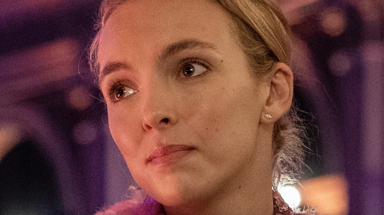 Villanelle in purple light