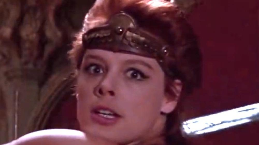 Red Sonja swinging sword