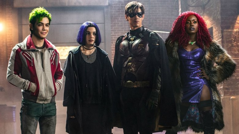 Group shot of the season 1 Titans