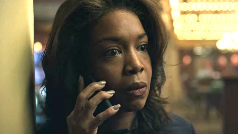 Ozark Maya Miller on phone