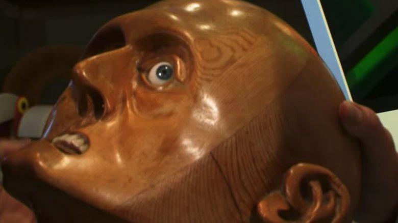 Creepy wooden head statue as seen in Storage Wars