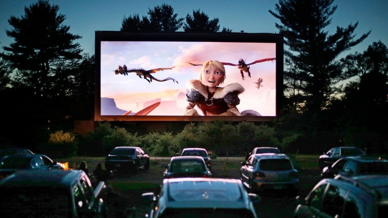 The Coolest Drive In Theaters In America