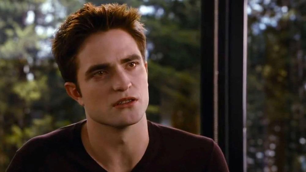 Edward Cullen gritting his teeth