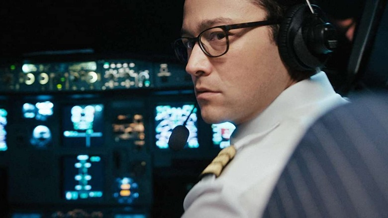 Joseph Gordon-Levitt as Tobias Ellis in 7500
