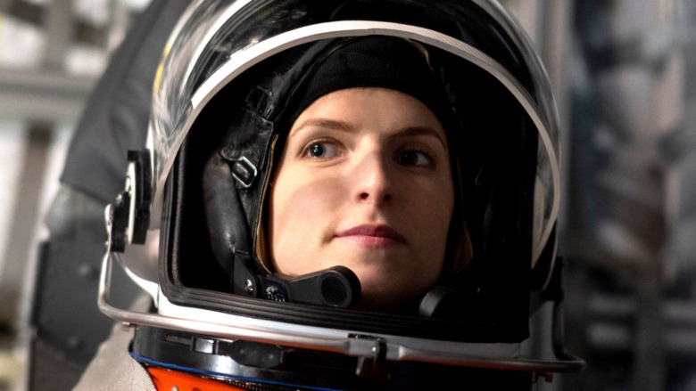Anna Kendrick as Zoe in spacesuit smiling