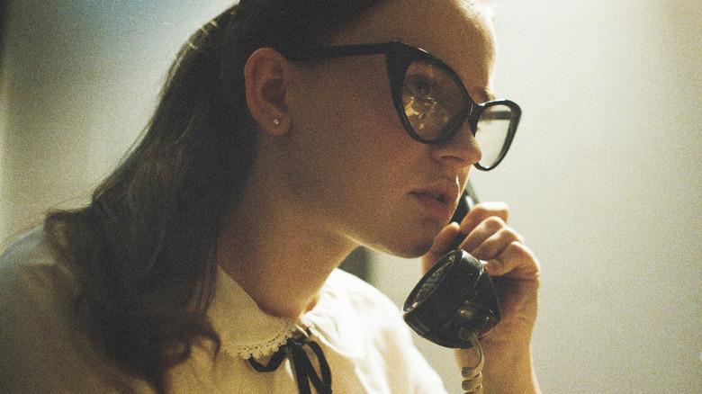 Sierra McCormick as Fay Crocker in The Vast of Night