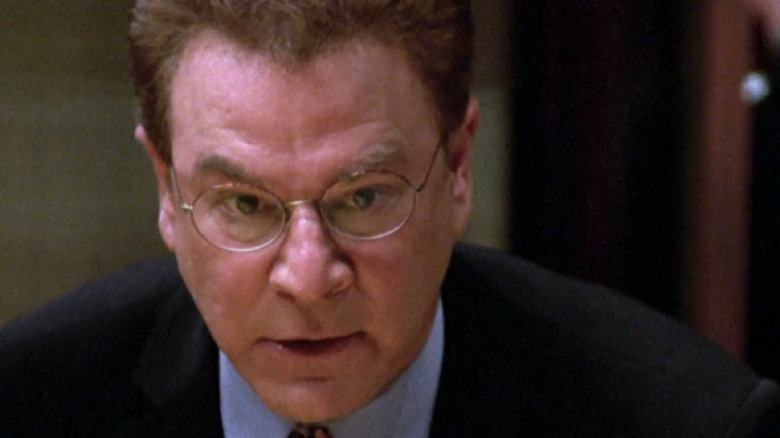 Robert Wuhl as Arliss