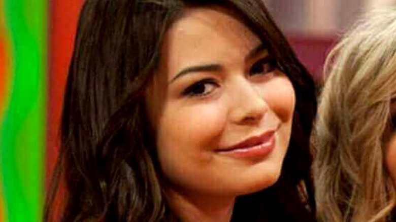 iCarly Carly smiling