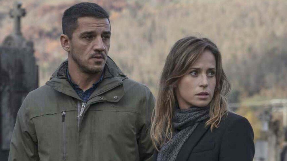 Leonardo Sbaraglia and Marta Etura in Offering to the Storm
