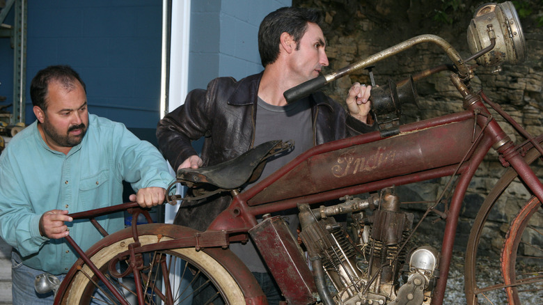 Mike Wolfe and Frank Fritz star on American Pickers