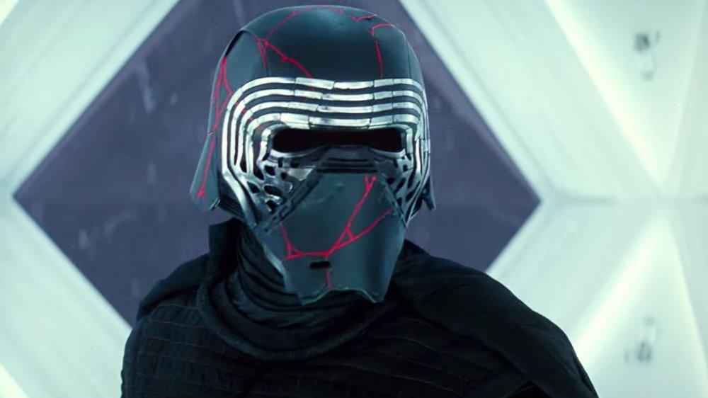 Why Kylo Ren Has A New Helmet In Rise Of Skywalker