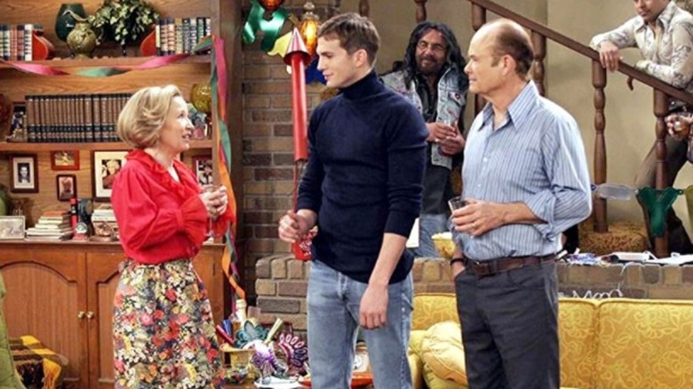 Debra Jo Rupp, Ashton Kutcher, Tommy Ching, and Kurtwood Smith on That '70s Show finale