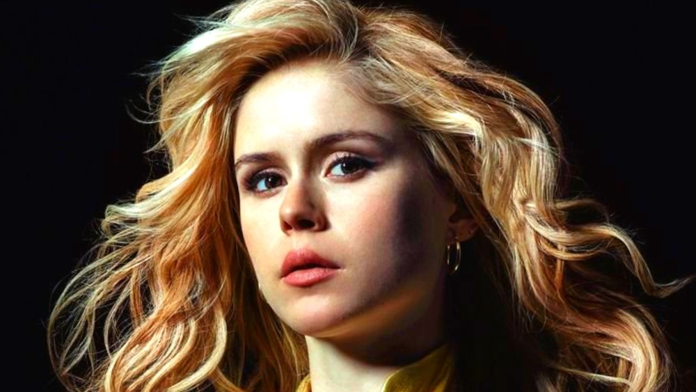 Erin Moriarty as Starlight hair blowing