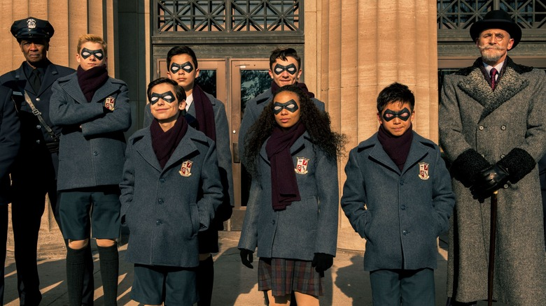 The young Umbrella Academy superheroes pose for photo