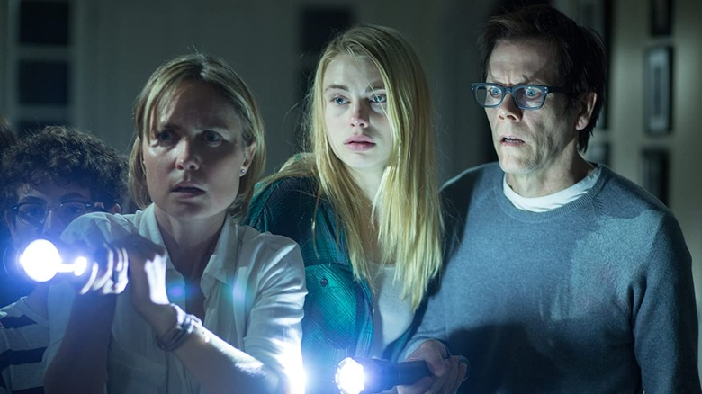 Kevin Bacon, Radha Mitchell, David Mazouz, and Lucy Fry in The Darkness