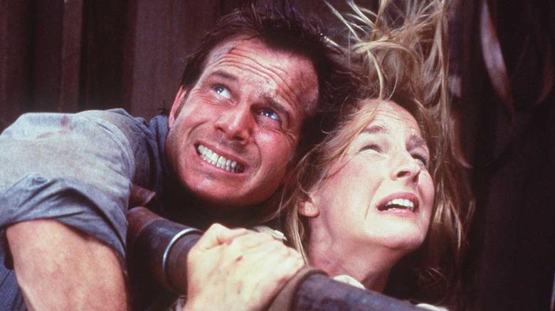 Bill Paxton as Bill and Helen Hunt as Jo in Twister