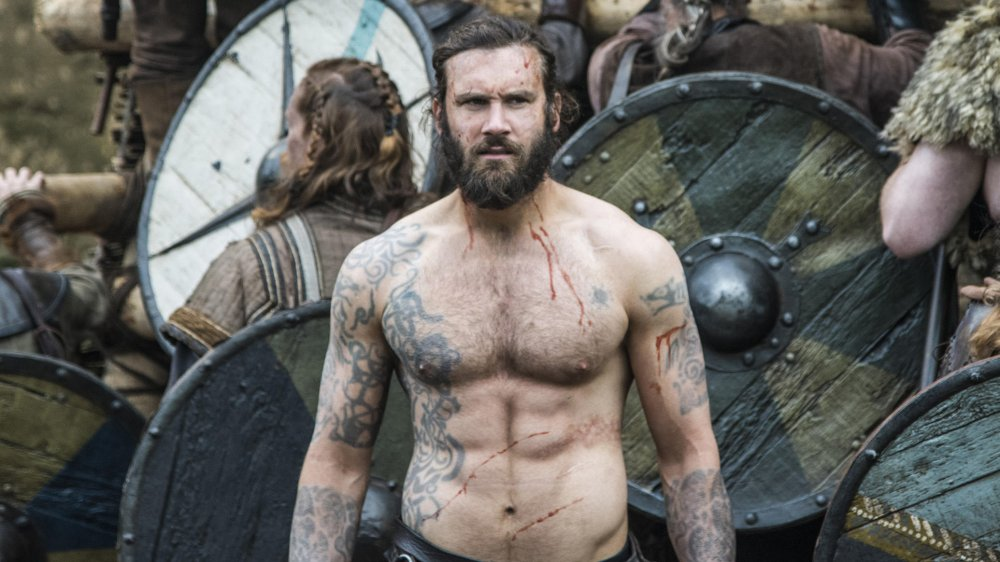 Clive Standen as Rollo shirtless on the battlefield in Vikings