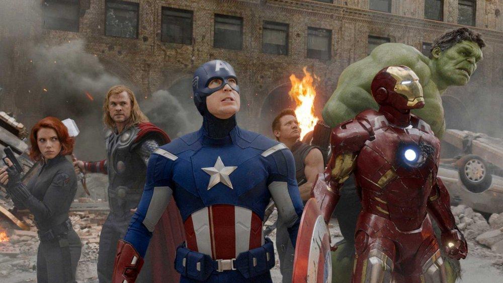 Scarlett Johansson, Chris Hemsworth, Chris Evans, Mark Ruffalo, Jeremy Renner, Robert Downey Jr. in The Avengers