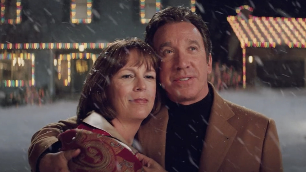 Jamie Lee Curtis as Nora and Tim Allen as Luther Krank in Christmas with the Kranks