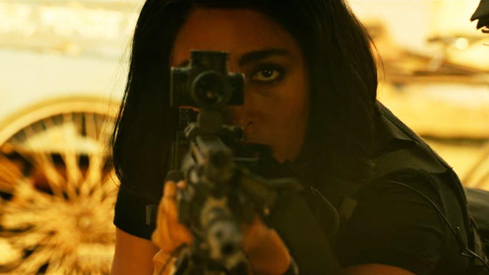 Golshifteh Farahani as Nik in Extraction