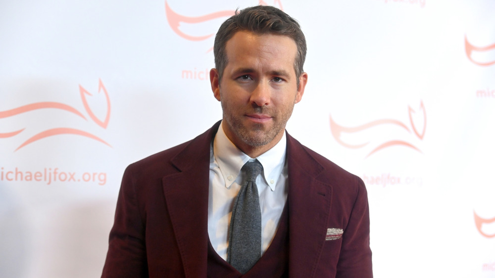 Ryan Reynolds suit and tie