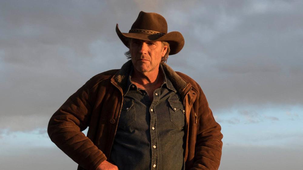 Sheriff Walt Longmire stands alone