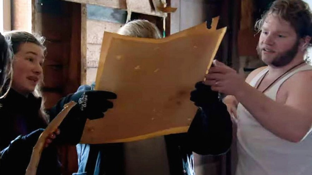 Sophie and Gabe Brown look at their treasure maps on Alaskan Bush Peple
