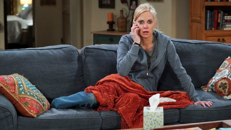 Christy (Anna Faris) answers a call on Mom