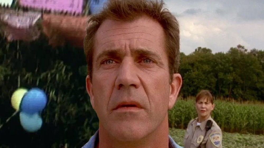 Mel Gibson Signs