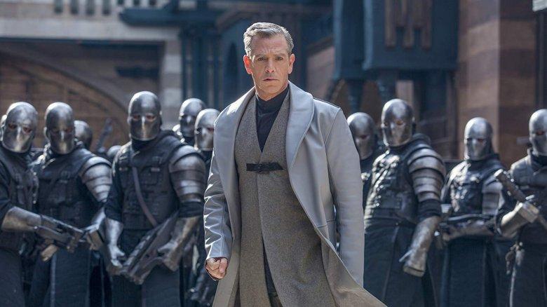 Ben Mendelsohn in Robin Hood (2018)