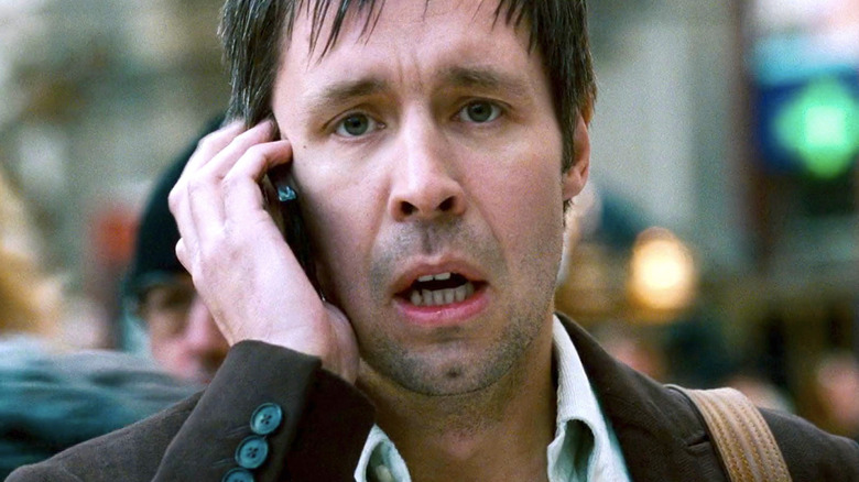 Bourne Ultimatum Simon Ross scared on phone