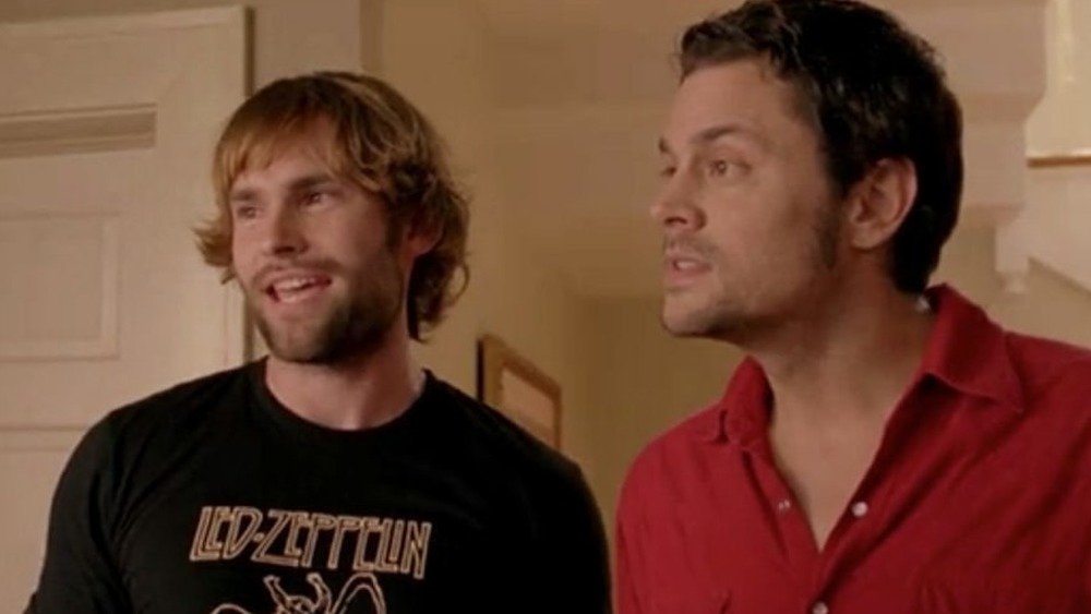 Seann William Scott and Johnny Knoxville in The Dukes of Hazzard