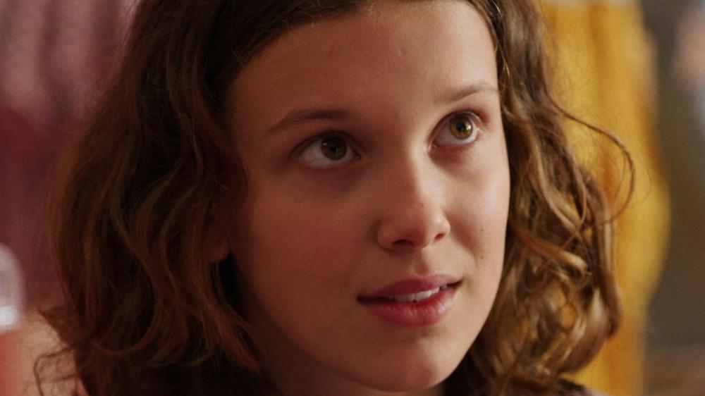 Eleven talks to Hopper on Stranger Things